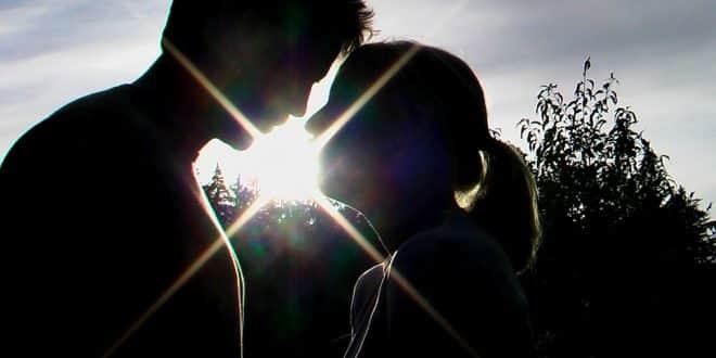 Kocasını Kendine Bağlamak İçin Büyü